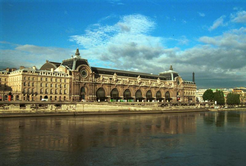le batiment du musée d'Orsay de Paris